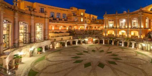 Así es el hotel construido en una plaza de toros en Zacatecas