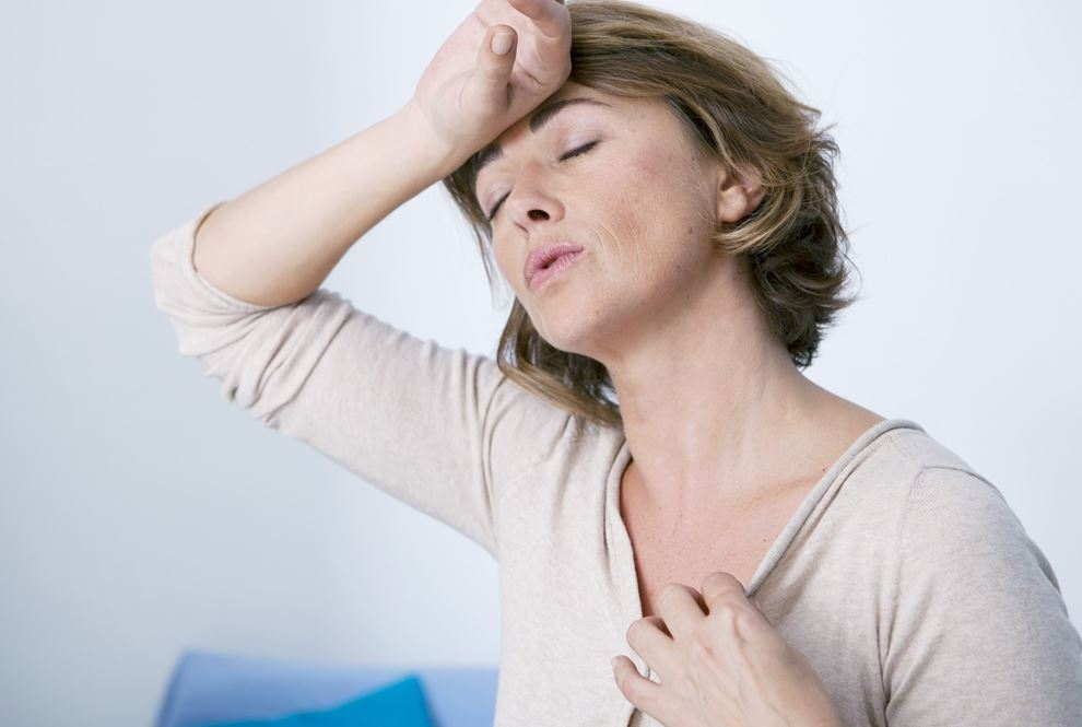7 señales de que la menopausia está por llegar calor
