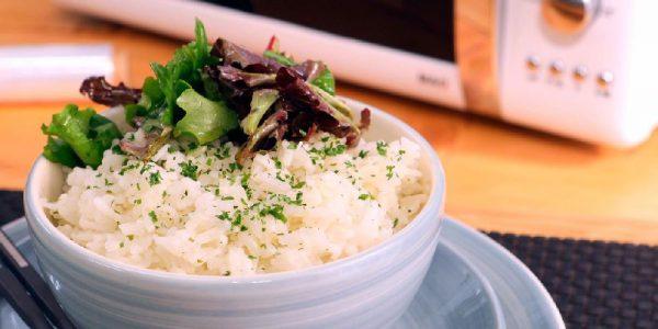 5 alimentos que no debes meter en microondas