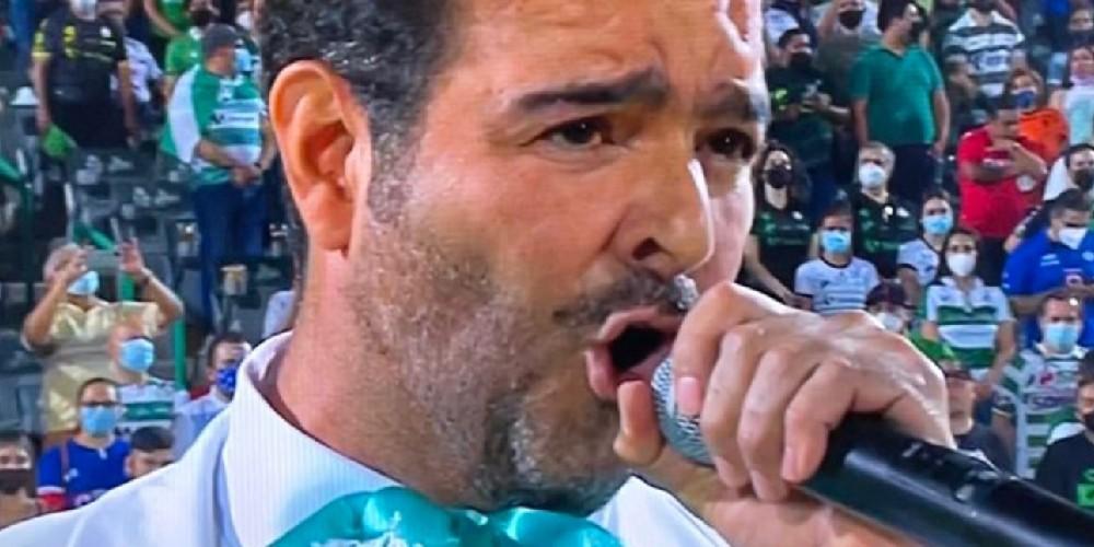 Famosos que se equivocaron al cantar el Himno Nacional